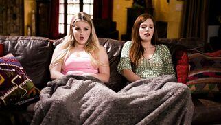 فيلم الرعب يزيد من الشهوة الجنسية للبنات سكس سحاق - lesbian sex